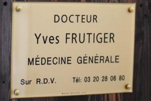 Plaque professionnelle en plexiglas doré plaque de medecin