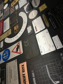Plaques constructeurs et de marque - Plaque signature