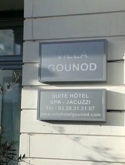 Plaque de rue pour hôtel et villa
