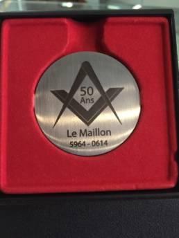 Création de médaille sur mesure en inox gravé et découpé Médaille de ville commémorative et d'inauguration - Médaille unique franc-maçon