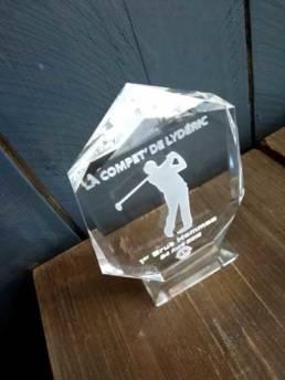 Trophée en verre gravé pour golfeur
