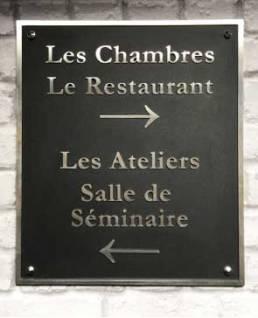 Signalétique directionnelle pour un Hôtel Restaurant