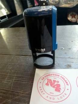 Tampon auto-encreur circulaire pour un restaurant Lillois