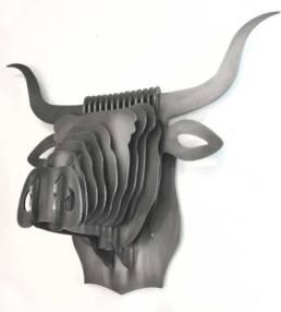 Création en inox pour un trophée tête de taureau