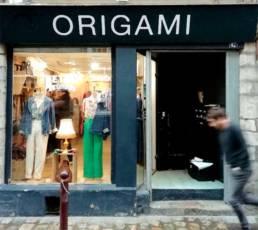 Lettrage pour une boutique du Vieux-Lille avec enseigne